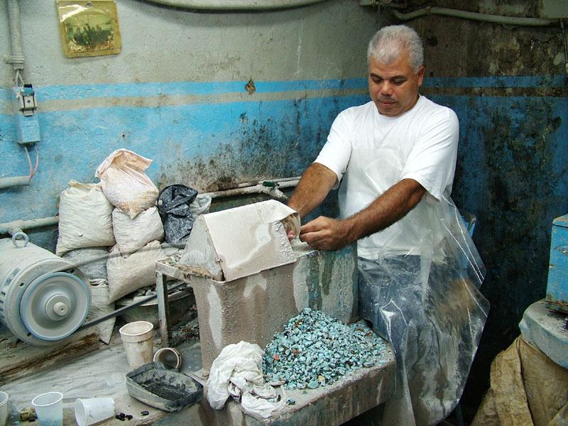 Правительство РД запретило вывоз доминиканского янтаря и ларимара2