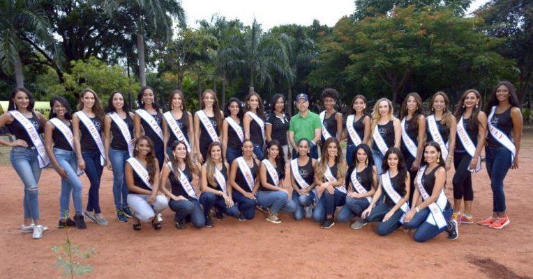 Самые красивые девушки Доминиканы начали борьбу за сохранение лесов iDominicana