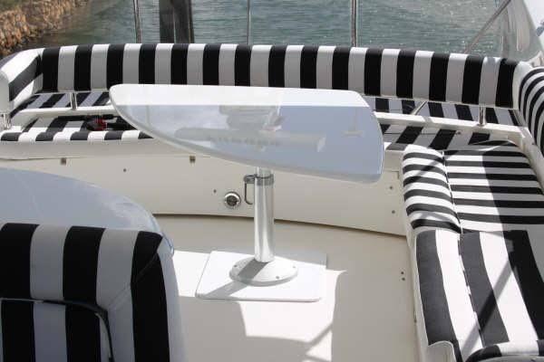Самая престижная яхта в Доминикане для luxury-отдыха. Sunseeker Predator 74 - эталон стиля и роскоши. Описание: - моторная яхта с флайбриджем, 74 фута - современная яхта наивысшего класса, оборудована всей необходимой техникой - отличное состояние - 4 каюты, 3 санузла, 8 спальных мест - размещение для 8 человек Стоимость $5800 В стоимость аренды включен трансфер, работа команды, сопровождение национального и русскоговорящего гидов, топливо, напитки.