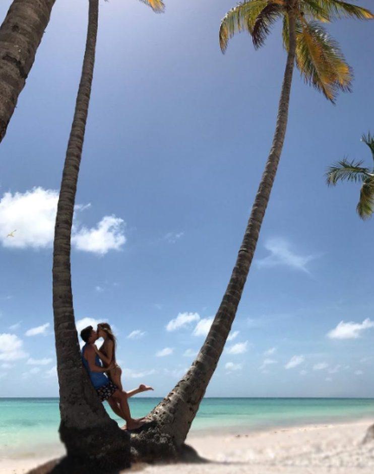 Больше не холостяк: известный российский телеведущий Артем Шалимов провел в Доминикане медовый месяц