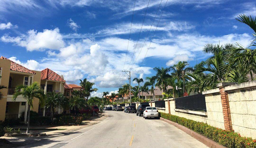 Доминикана недвижимость: апартаменты на 2 спальни, 1-я линия