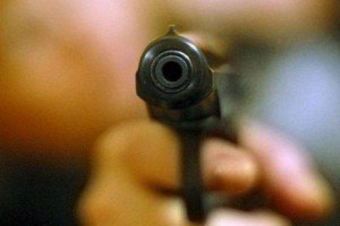 Доминиканец застрелил девушку водителя, который случайно поцарапал его авто