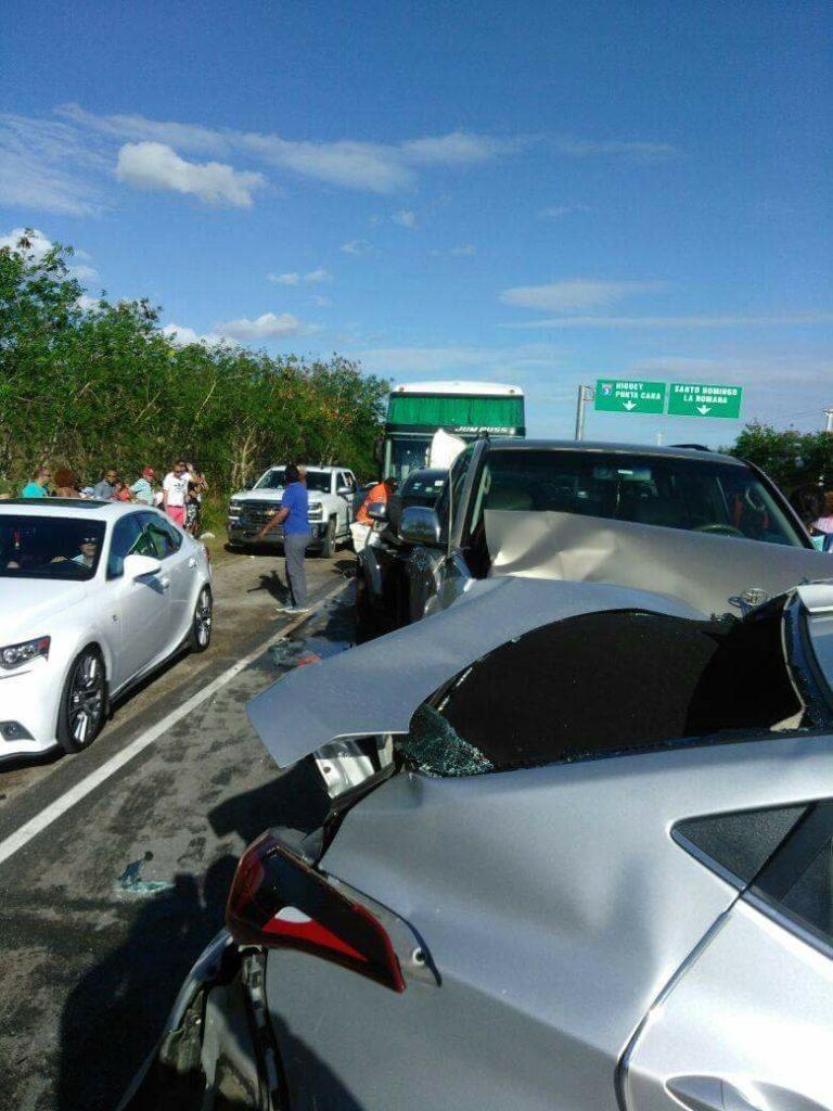 В районе платной дороги у Ла Романа произошло массовое ДТП