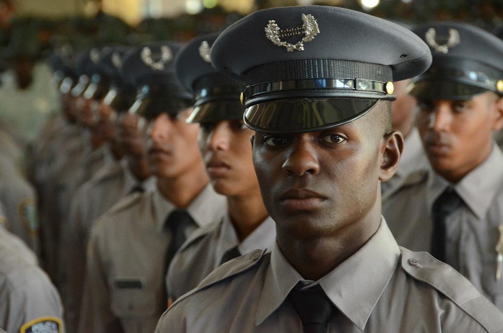 Доминиканских полицейских заставят похудеть