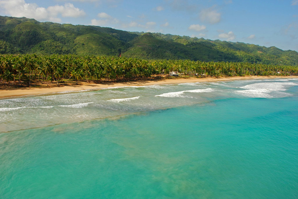 В провинции Самана застроят пляж Косон