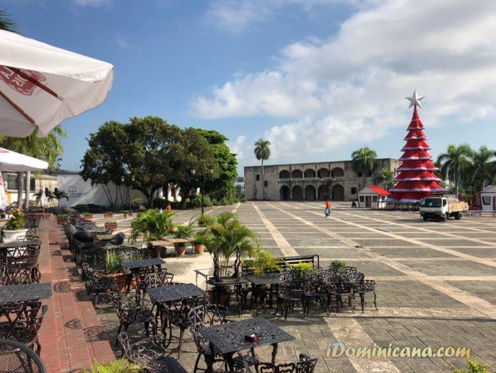 Новый год в Доминикане: в Санто-Доминго установили елку