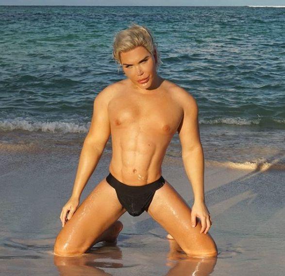 Кен в Доминикане