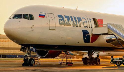 Самолет Azur Air, летевший в Доминикану, сел в Ирландии
