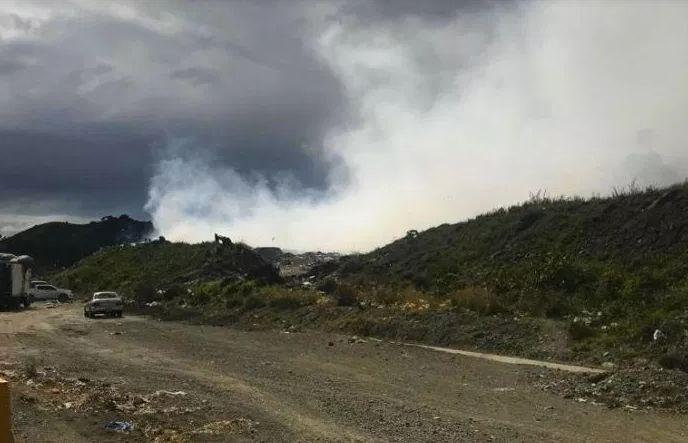 Туристы в шоке: в Пуэрто-Плата горит свалка