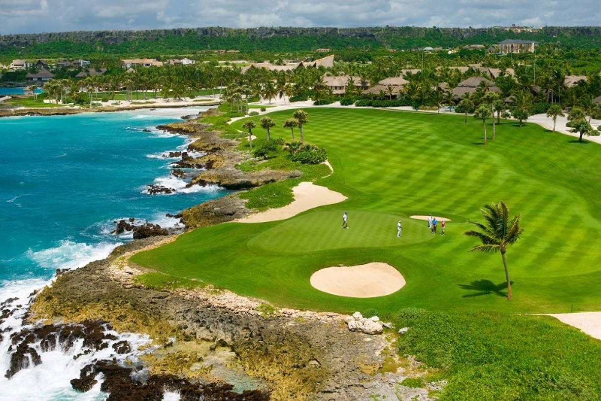 В Доминикане проходит турнир по гольфу с призовым фондом $30 тысяч