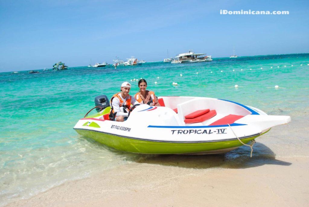 Гонки на скоростных лодках в Доминикане -