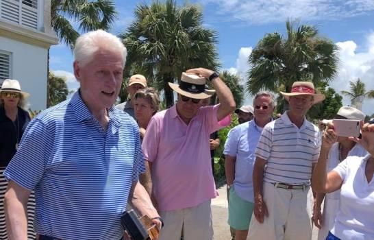 Экс-президент США Билл Клинтон прилетел на отдых в Пунта Кана