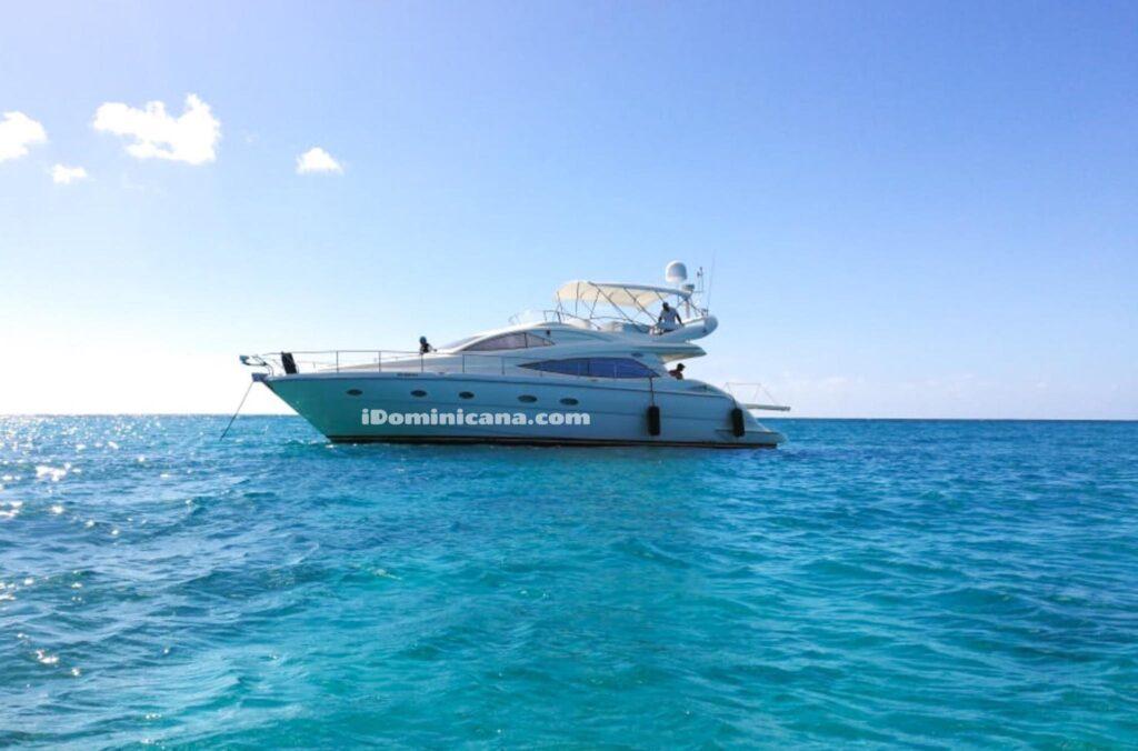 Моторная яхта AICON 56 в Республике Доминикана