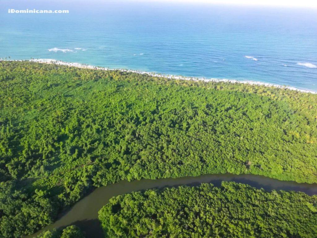 Водопад Ля Хальда + пляж Эсмеральда экскурсия на вертолетах iDominicana.com