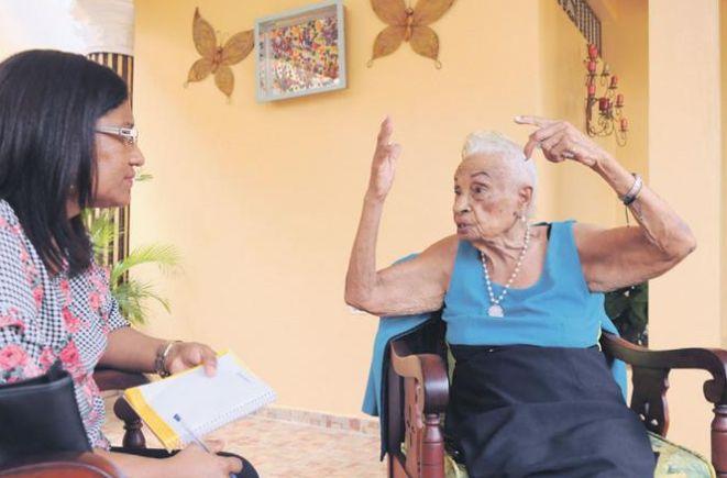 """100-летняя доминиканка раскрыла секрет долголетия: """"Я ем все!"""""""