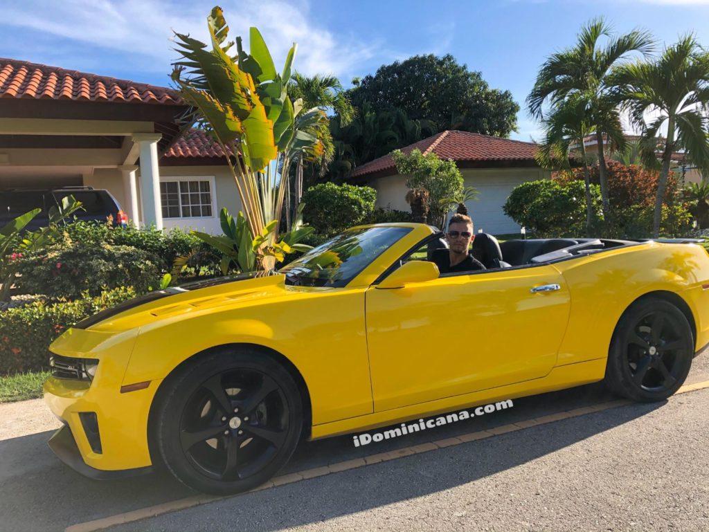 Аренда авто в Доминикане: желтый кабриолет Chevrolet Camaro iDominicana.com