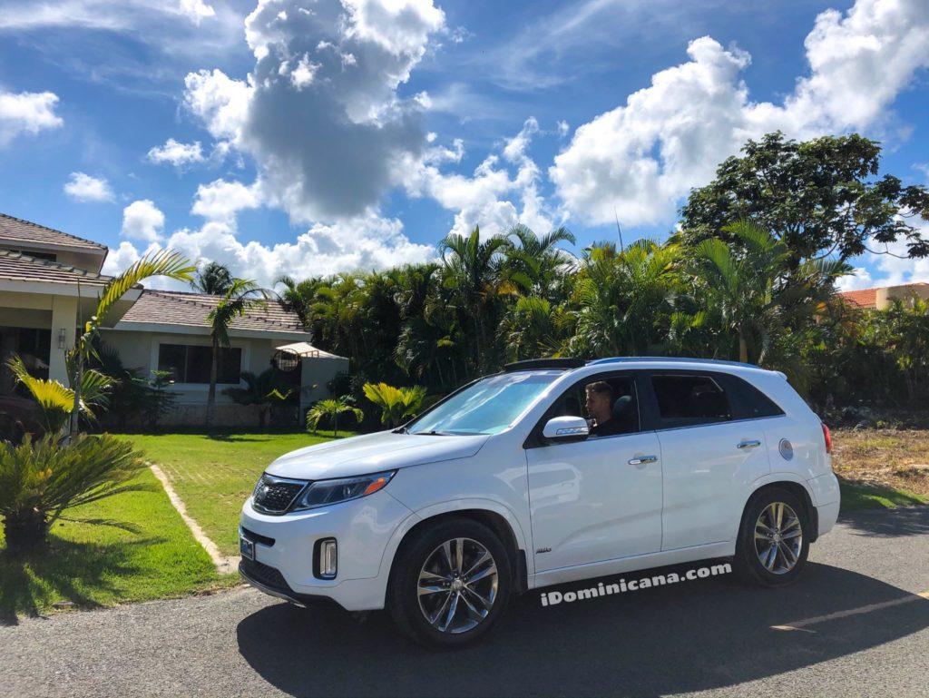 Авто Доминикана (аренда): Kia Sorento со стеклянной крышей
