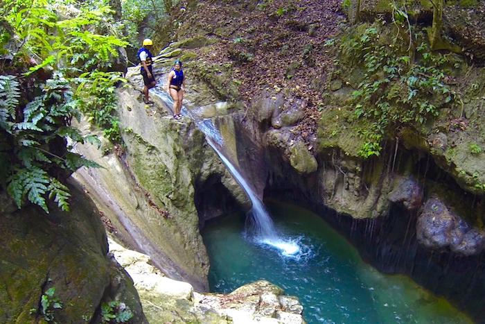 В национальном парке 27 водопадов открыт современный пешеходный мост
