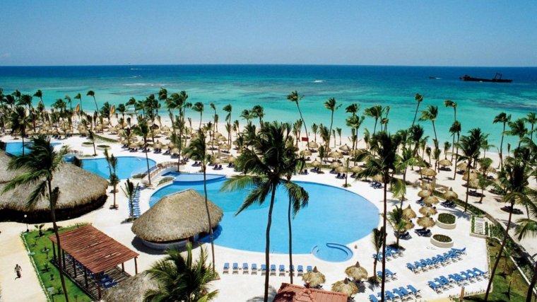 Отели Bahía Príncipe в Доминикане объявили даты открытия и скидки до 80%