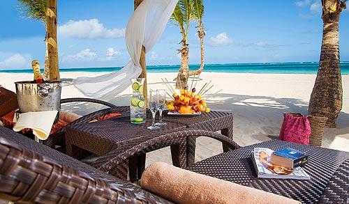 В Доминикане разрешили работу ресторанов и клубов