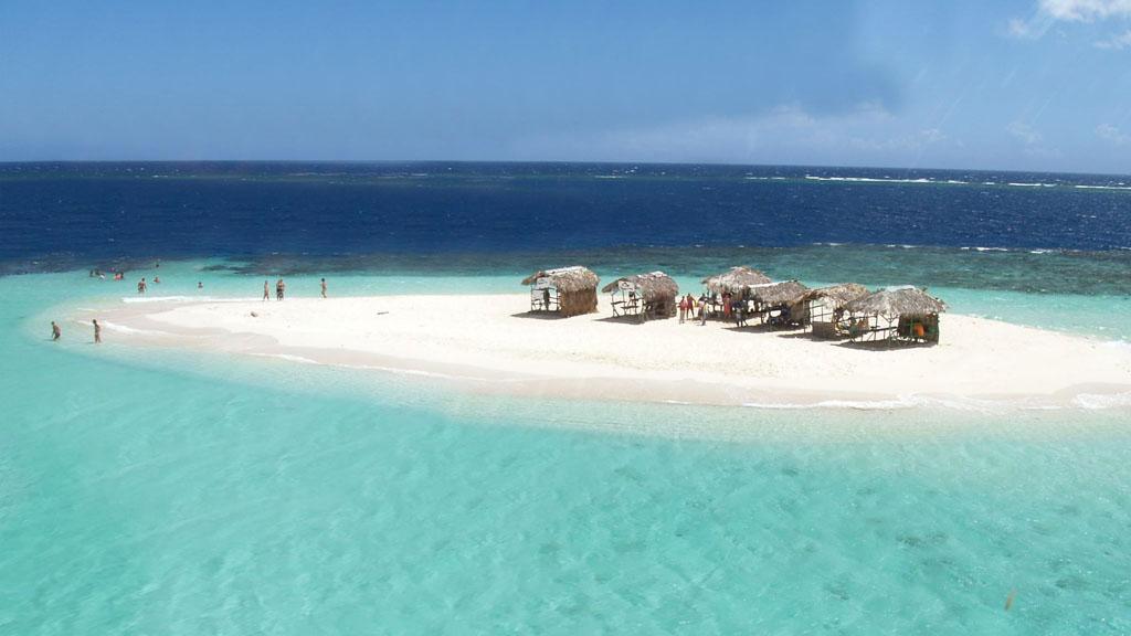 Forbes назвал пляж Доминиканы одним из лучших на Карибах