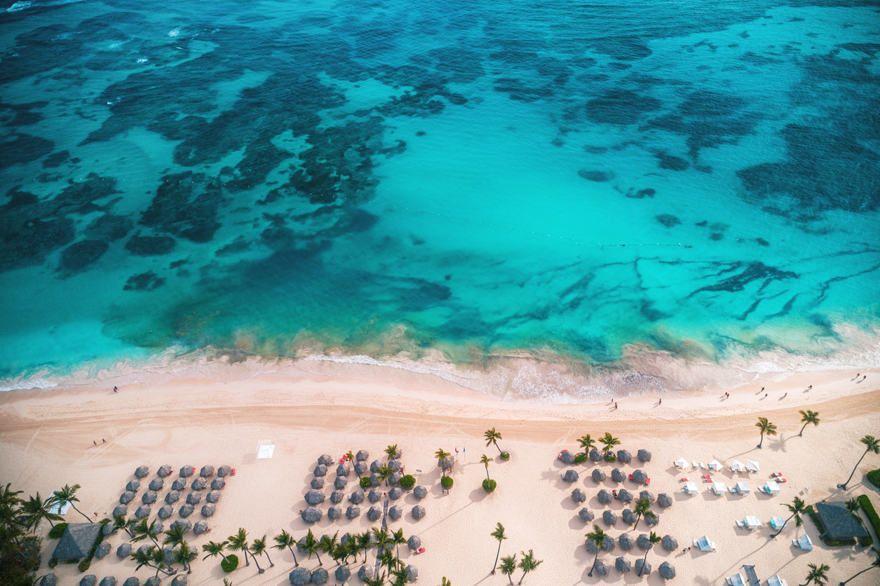 Доминикана закрыла пляжи для местных жителей, но не для туристов
