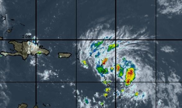 К Республике Доминикана приближается тропический шторм Лаура