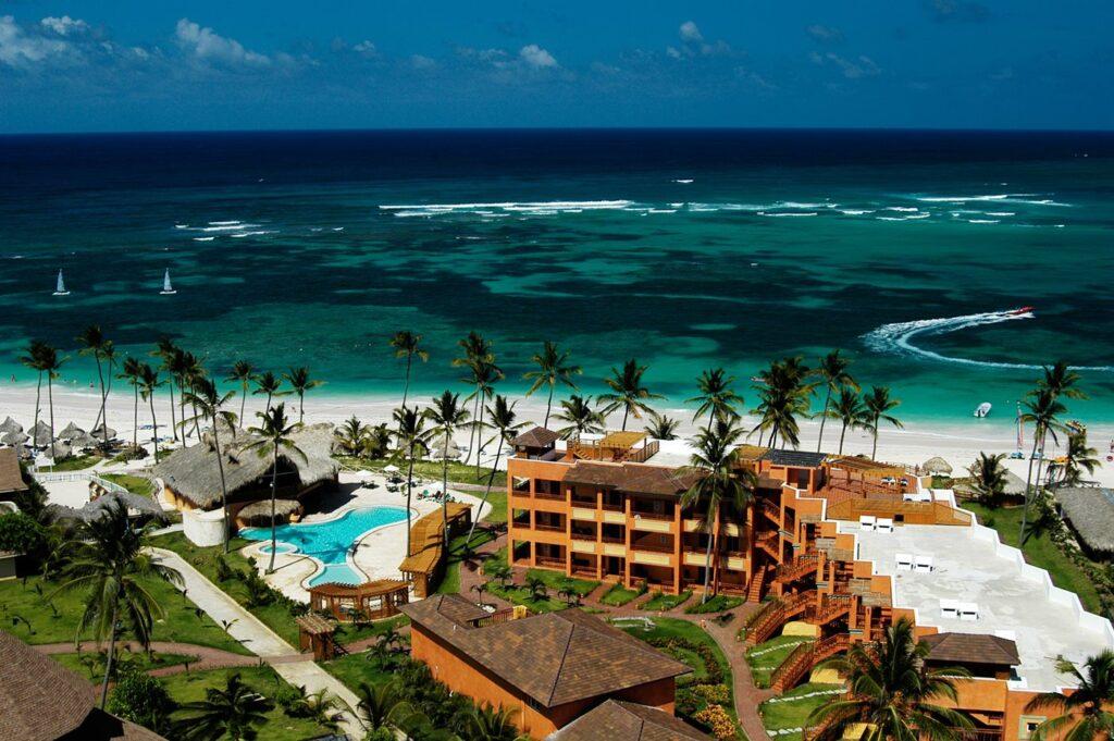 Отель Vik Hotel Cayena Beach вновь открыт для туристов!