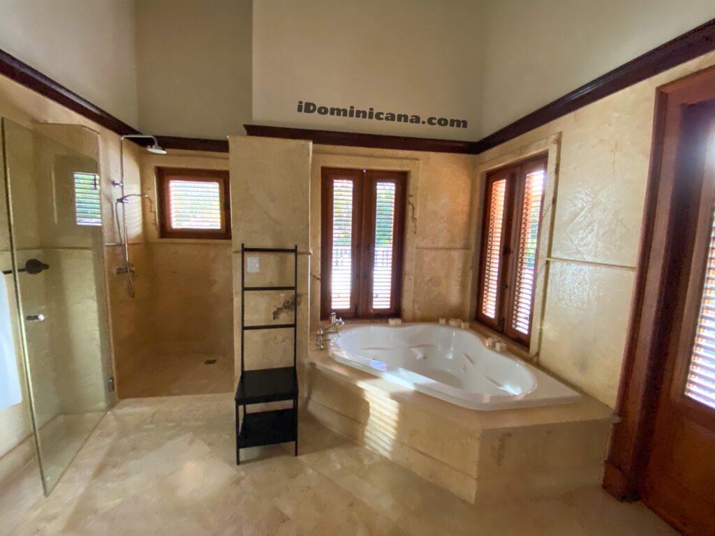 Вилла в Puntacana Resort: 5 спален, бунгало, бассейн, рядом пляж