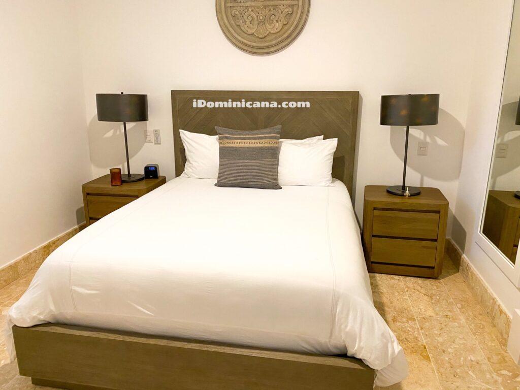 Вилла в Пунта Кана: 5 спален, рядом с частным пляжем