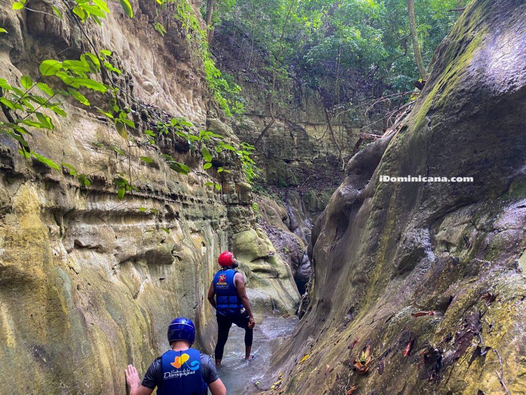 27 водопадов и канатная дорога Телеферико (гора Исабель де Торрес)