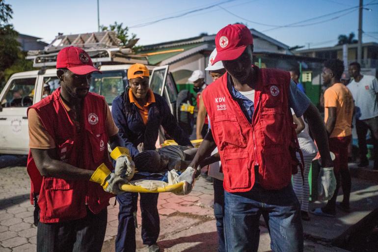 Число погибших от землетрясения на Гаити увеличилось до 724 чел