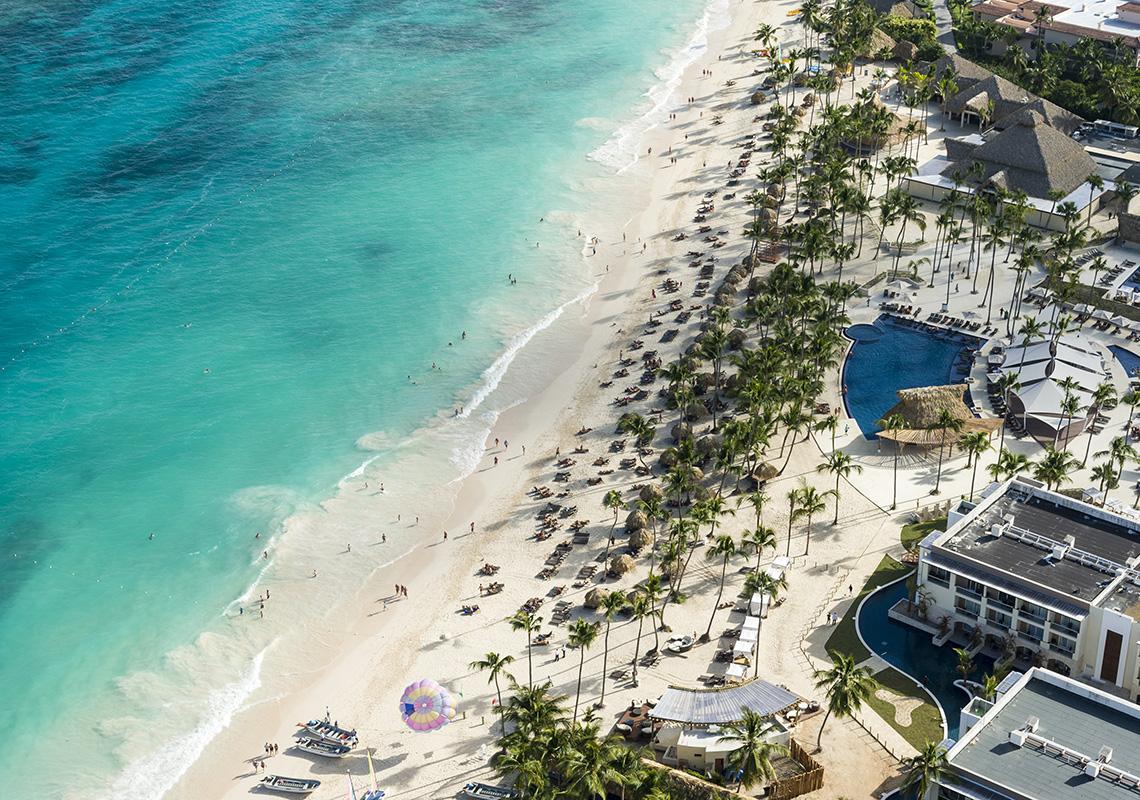 Доминикана на территории курорта Пунта-Кана отменила комендантский час