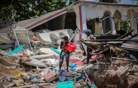 Число жертв землетрясения на Гаити увеличилось до 2189 чел